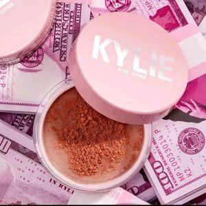 💖 Kylie LOOSE ILLUMINATING POWDER💖